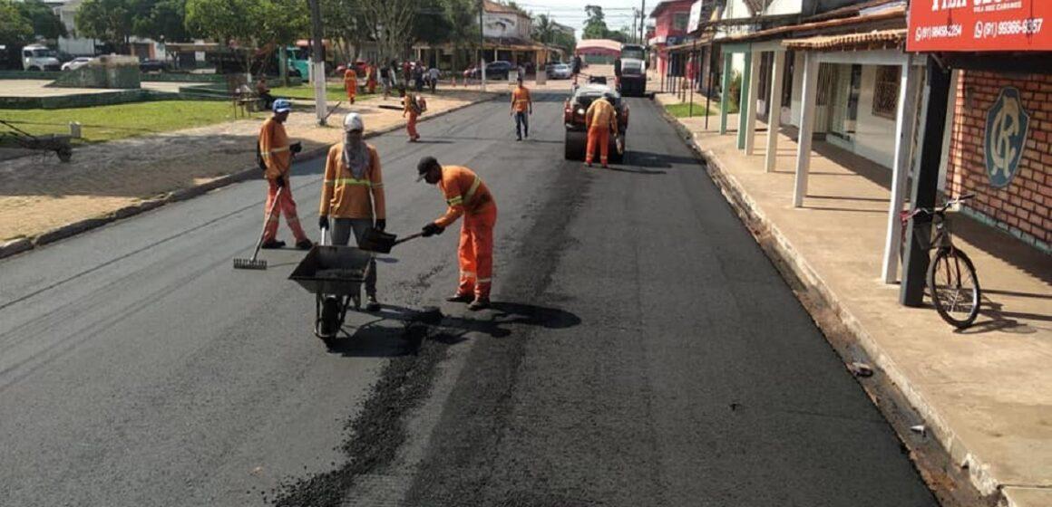 Prefeitura de Barcarena avança com asfalto para a rua 16 de abril na Vila dos Cabanos