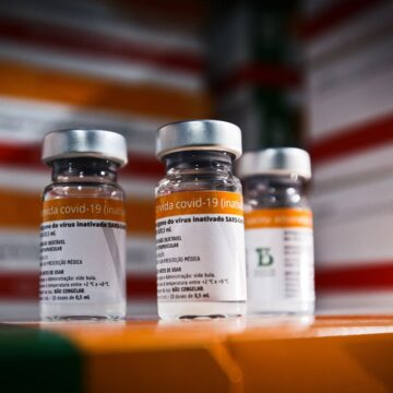 Butantan começa a negociar doses da CoronaVac com cinco estados