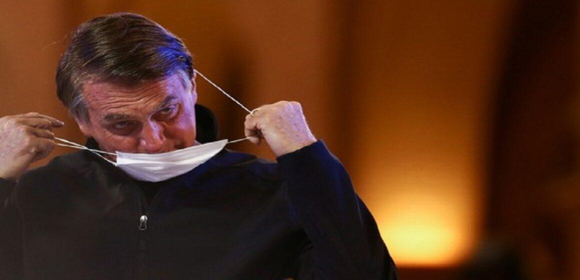 Bolsonaro cita IgG alto para não tomar vacina; médicos e Anvisa listam razões para não repetir erro do presidente