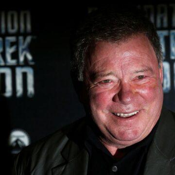 Ator que interpretava o Capitão Kirk faz viagem espacial