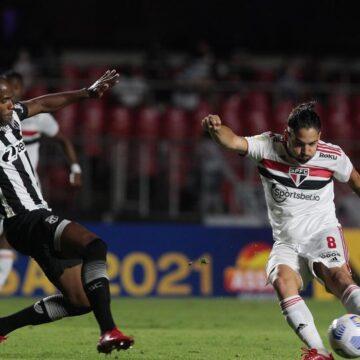 São Paulo empata com Ceará na reestreia de Rogério Ceni