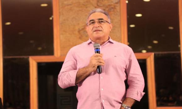Edmilson Rodrigues mantém recuperação progressiva contra a covid-19