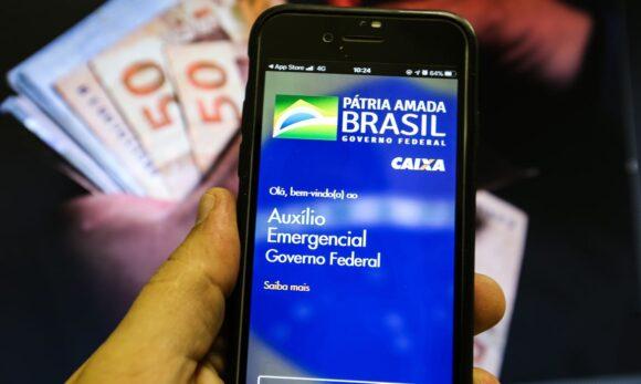 Pode ser somente para beneficiário do Bolsa Família a prorrogação do Auxílio Emergencial até 2023